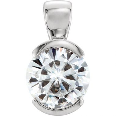 Sieger's Jewelers 14k White Gold Round Solitaire Forever One Moissanite Pendant