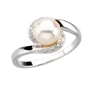 14K White Freshwater Cultured Pearl & 1/10 CTW Diamond Ring