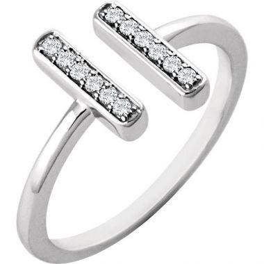 Sieger's Jewelers 14k White Gold Diamond Vertical Bar Ring